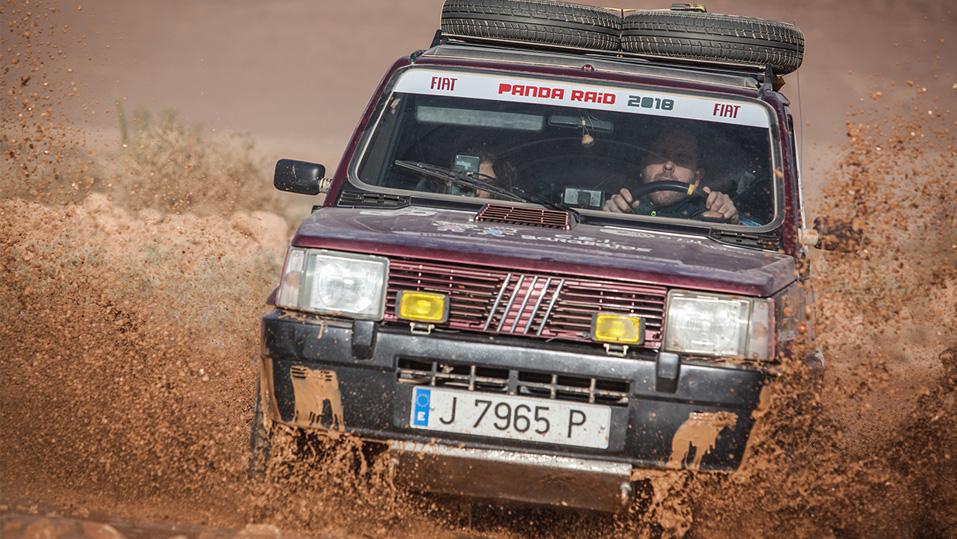 Unstoppable Fiat Panda conquers the desert